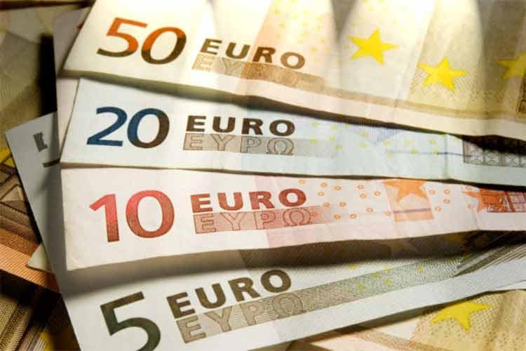 Euro_Bills