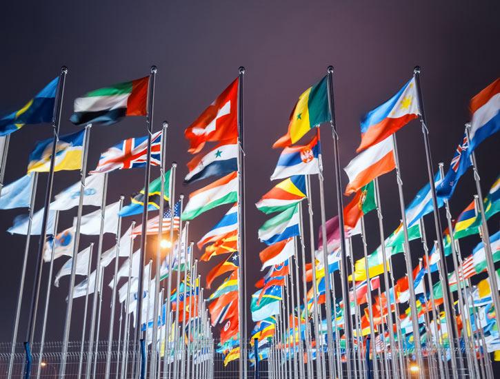 Trade the US market worldwide